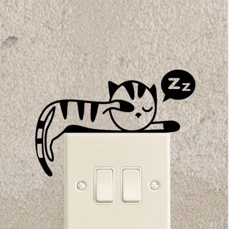 Sticker chaton qui dort étendu - Opensticker, boutique en ligne de stickers muraux idéales pour garder une âme d'enfant !