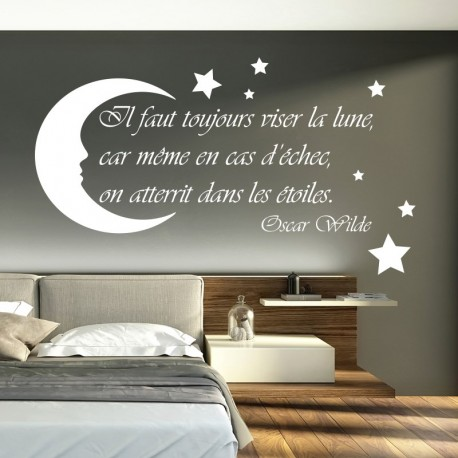Sticker il faut toujours viser la lune selon Oscar Wilde