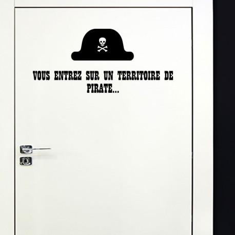 Sticker vous entrez sur un territoire de pirate...
