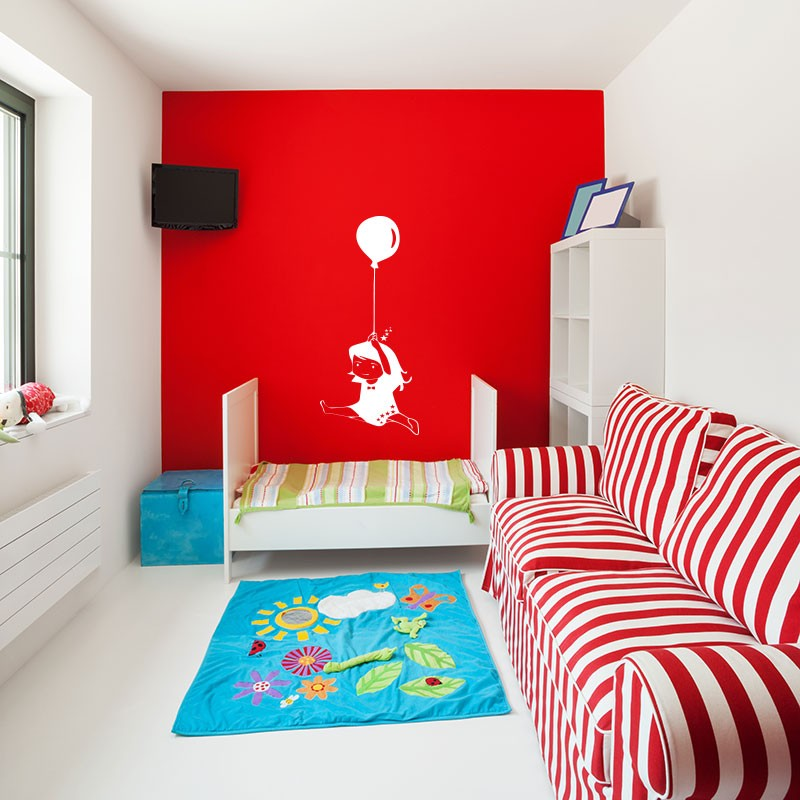 sticker petite fille avec un ballon. Black Bedroom Furniture Sets. Home Design Ideas