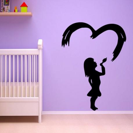 Sticker petite fille envoyant un baiser volant en coeur